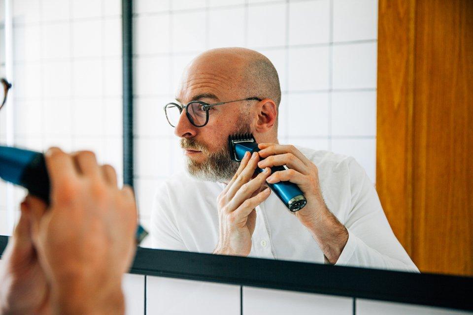 tondre sa barbe